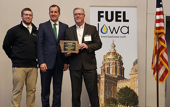 Elliott Oil Company receives the 2020 Secretary's Ethanol Award